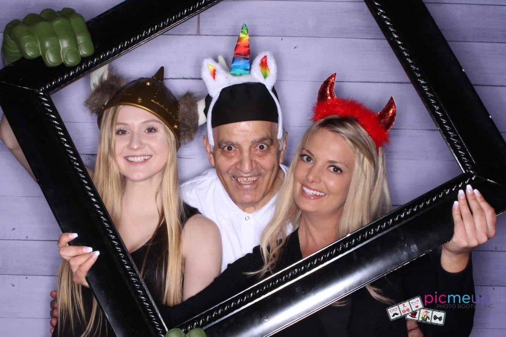 Pic Me Up Photo Booths Inc - Favourites15