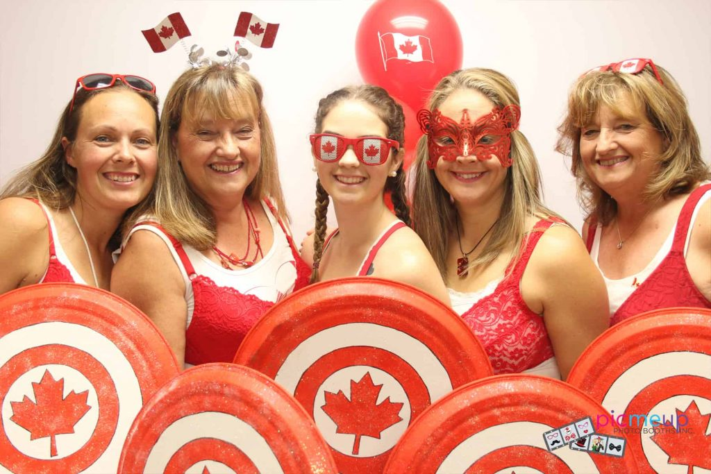 Pic Me Up Photo Booths Inc - Favourites16
