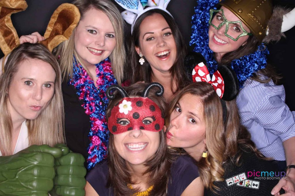 Pic Me Up Photo Booths Inc - Favourites2