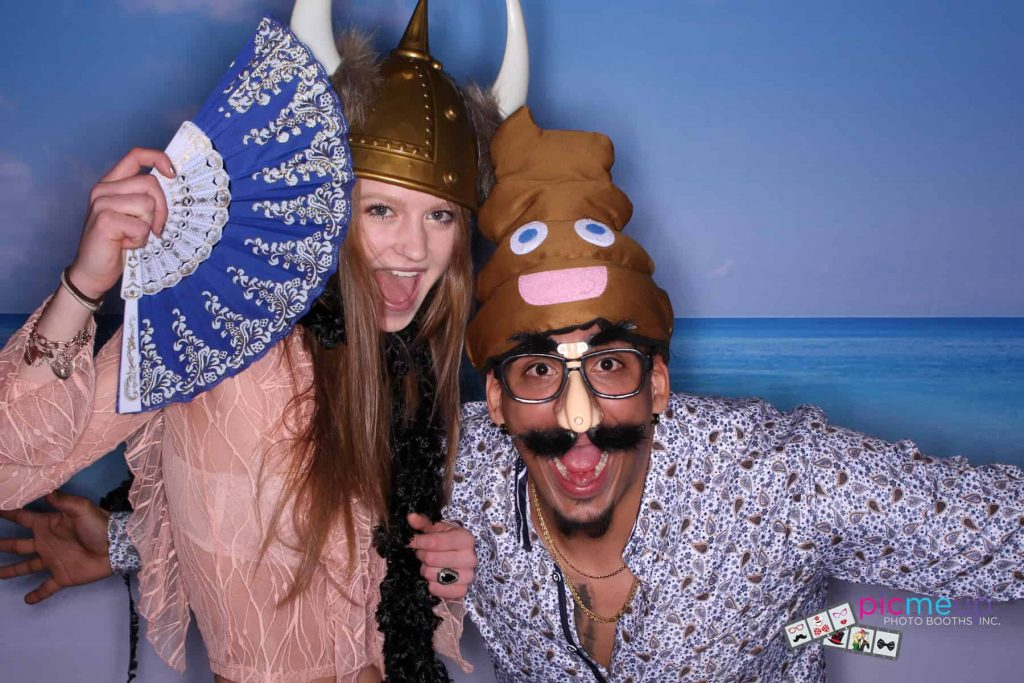 Pic Me Up Photo Booths Inc - Favourites22
