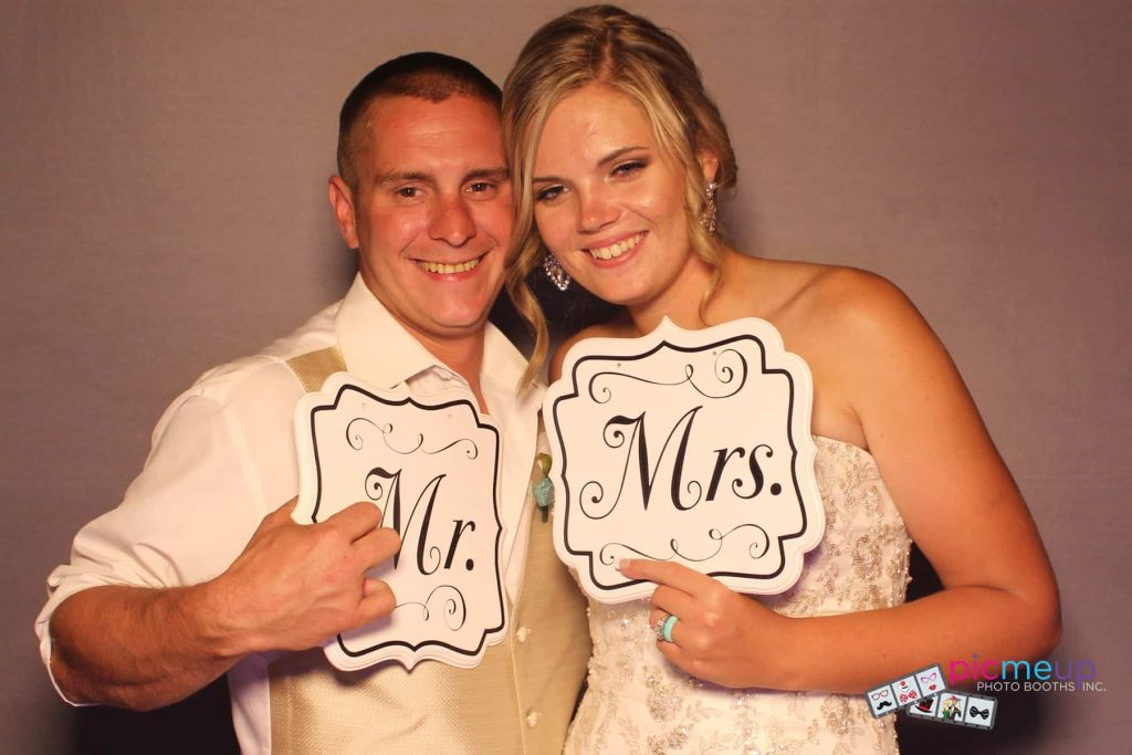 Pic Me Up Photo Booths Inc - Favourites3