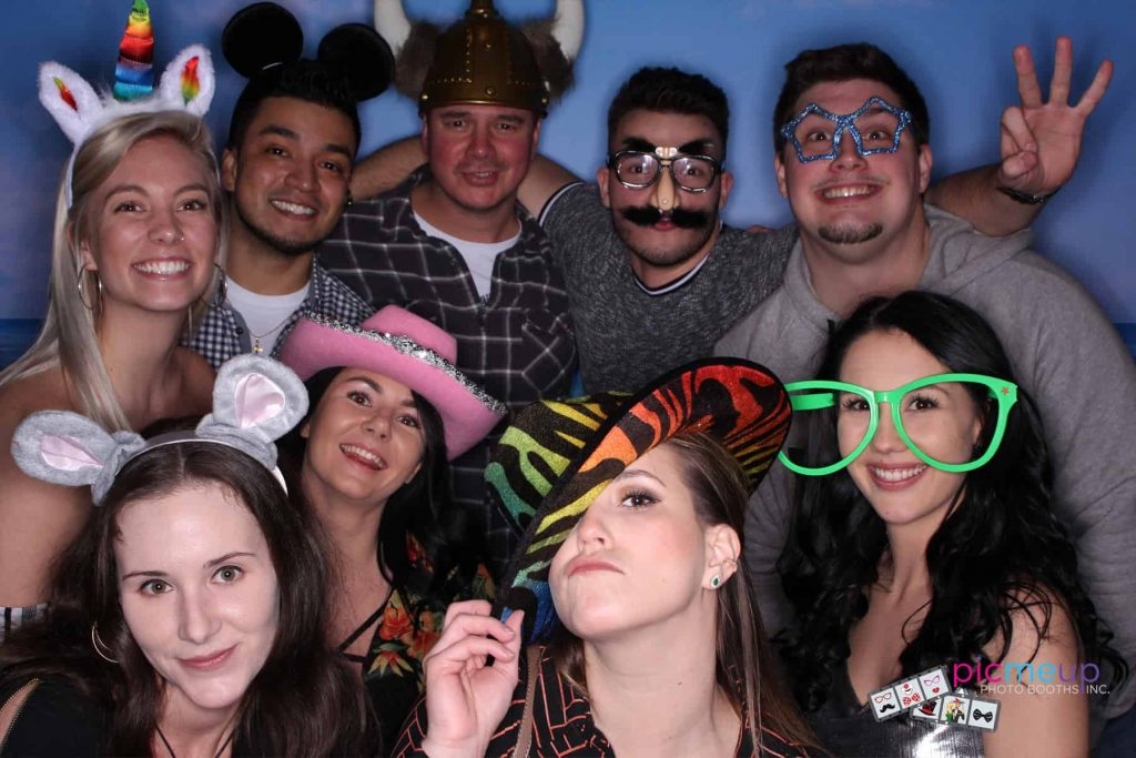 Pic Me Up Photo Booths Inc - Favourites6