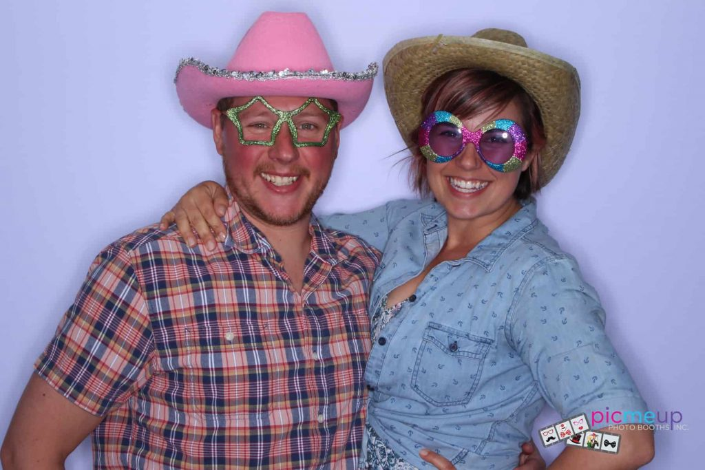 Pic Me Up Photo Booths Inc - Favourites7