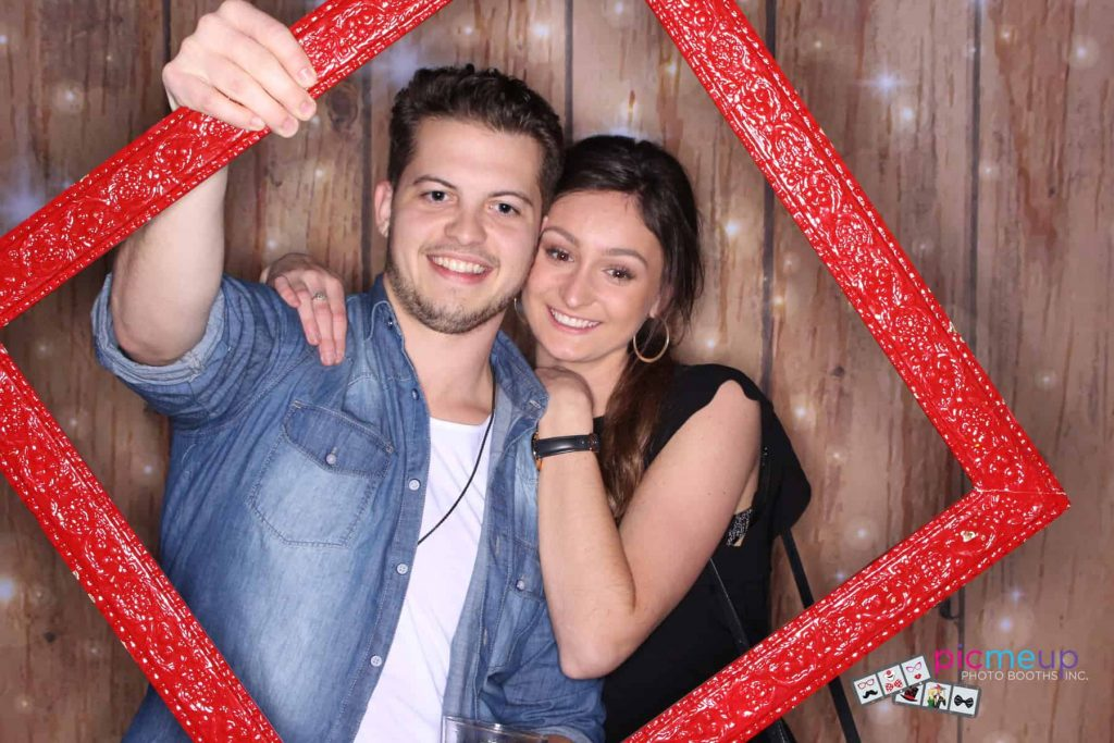 Pic Me Up Photo Booths Inc - Favourites8